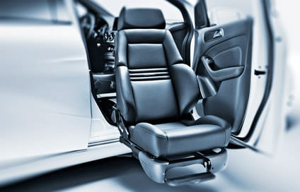 Swivel Seat Aims to Improve Safety for Automobile Passengers