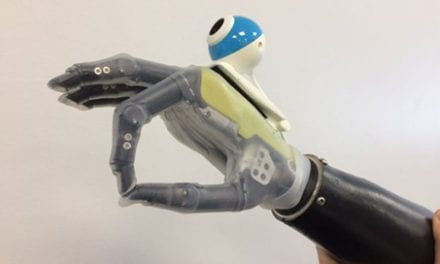 "A Prosthetic ""Hand That Sees"" is Programmed to Reach and Grasp Automatically"